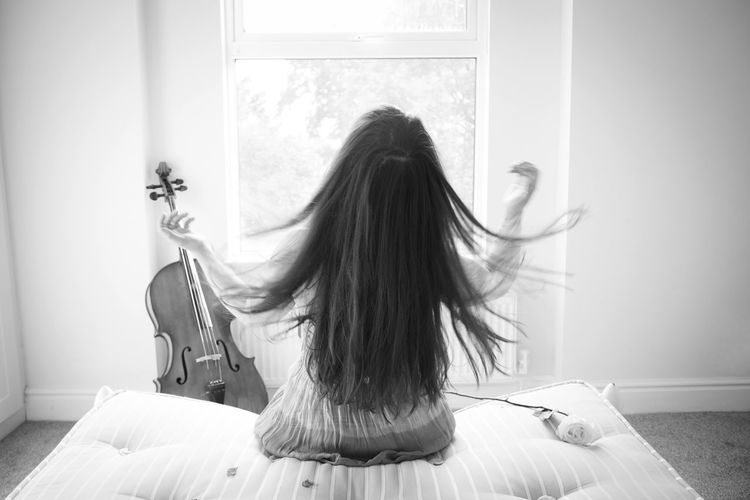 Beautiful Day Cello♡ Classical Music Morning Morning Light Morning Sun Music Waking Up Cello Energy Long Hair Morning Rituals Movement Musical Instrument Musician White Rose Young Women The Week On EyeEm Inner Power Visual Creativity