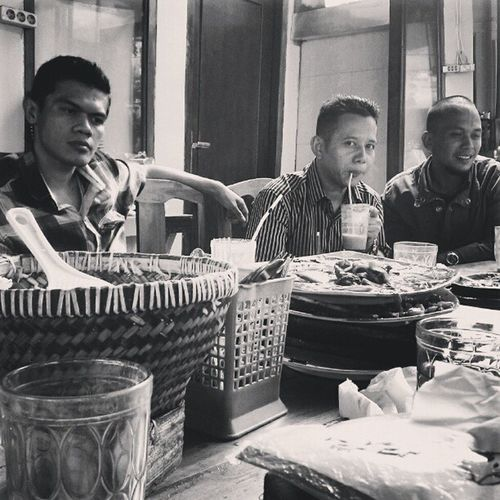 Armut and his friends... RW06 team at Lunch ... Sea_food INDONESIA Instanusantara instadroid willow filter blackandwhite friendship