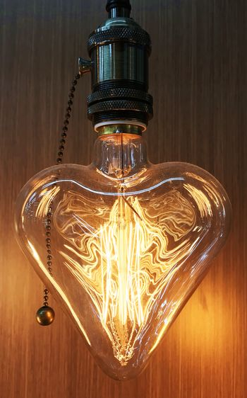Light & Napkin Antique Edison Retro Filaments Heart Shaped  Lamp Vintage