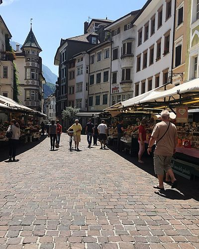 Live Love Shop Market In Vicolo Delle Erbe Architecture Relaxing Enjoying Life Shopping Street Buildings Old Town Cobblestoned Sky Outdoor Daytime Way To Go City Life