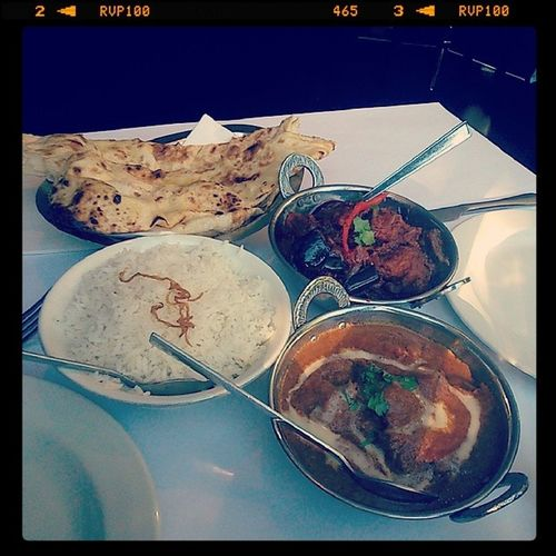 After a Detoxifying lunch, some Flavorful Curries from our fave Indianrestaurant are in order.