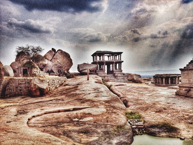 Karnataka EyeEm Hampi  Stone Art IPhoneography Snapseed Architecture Dramaeffect Sky Rays came out like a painting