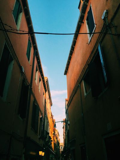 Streetphotography Beautiful Colors Vanishing Point Urban Geometry Urban Landscape Cityscapes Blue Sky Old City Building And Sky From Vienna To Milan
