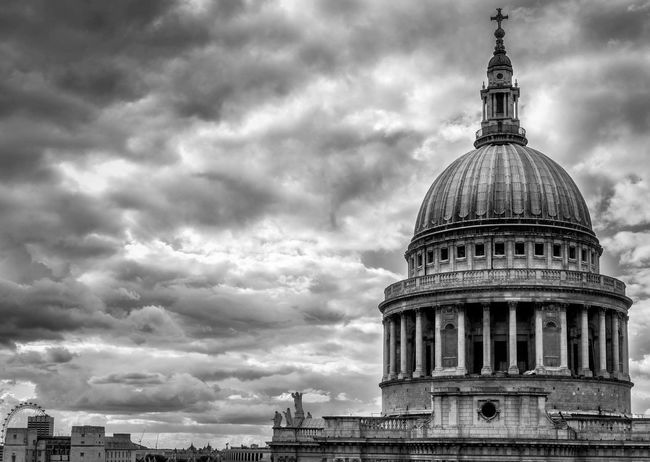 St Paul's cathedral from the one new change building Cloud - Sky Architecture Sky Dome City Building Exterior Travel Built Structure Dramatic Sky Travel Destinations Outdoors No People Travelblogger Blackandwhite Photography