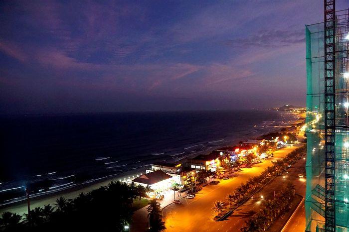 Holiday!! Da Nang _ Vietnam. Twilight Sky Happy New Year 2016 Danangbeach Danang, Vietnam EyeEm Nature Lover EyeEm Vietnam Purple Sky
