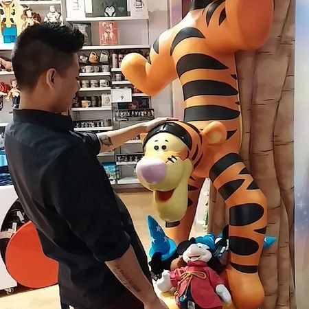 I didn't know Tigger was down like that. Disneystore Tigger Givemethatbecky