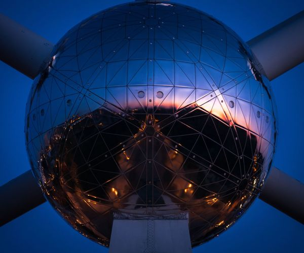 A Bowl Of Sunrise Ball Metal Sunrise_sunsets_aroundworld Sunrise Bruxelles Bruxelles-Capital Bruxellesmabelle Brussels Bruxellesmabelle Belgium. Belgique. Belgie. Belgien. Etc. Belgique Belgium Atomium Low Angle View Blue Clear Sky No People Sky Day Outdoors