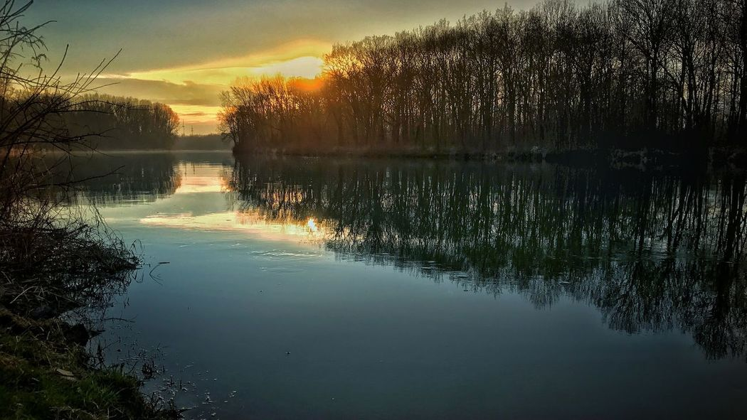 Beauty In Nature Clam Day Idyllic Lake Nature No People Outdoors Reflection Reflection Lake Scenics Sky Sunset Tranquil Scene Tranquility Tree Water