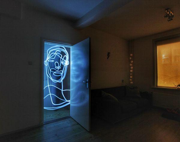 Lightpainting Lightpaintingphotography Singleline Portrait Continuouslineart Drawing Hello World 366days Lightphotography