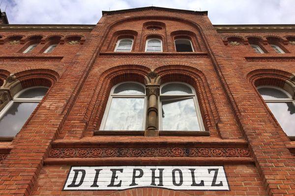 …hopping on the RE9 towards Bremen. #Diepholz #Bahnhof