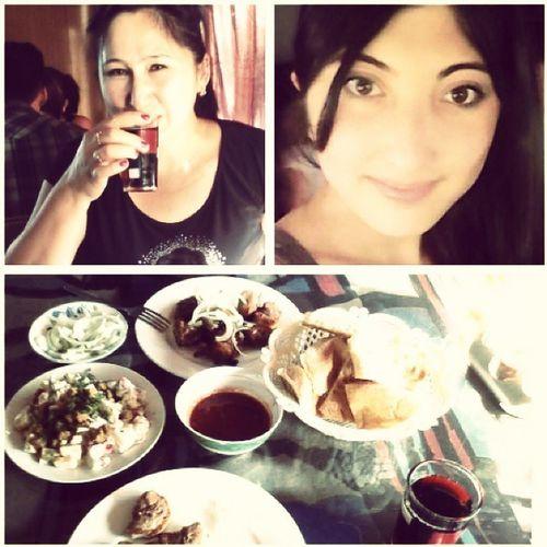 23august шашлыки омноммном Кушали сегодня с мамой в кафе)) видуменяуставший