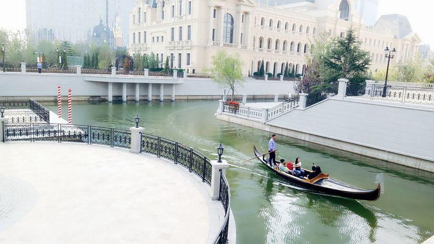 威尼斯水城(大连)Water Built Structure Architecture Building Exterior Large Group Of People Nautical Vessel Day People Men Adult Outdoors City Adults Only Only Men