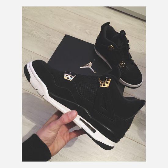 Gift for my boyfriend for Valentine's Day 😬 Sneakers AirJordan  Nike Airjordan4