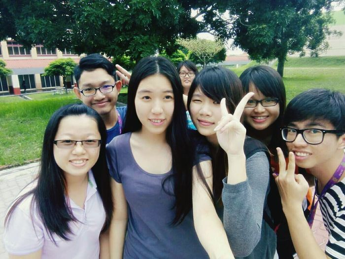 Wefie After School Water Fountain Relaxing Enjoying Life With Friends College Life Light And Shadow Nice Shot Nice Day