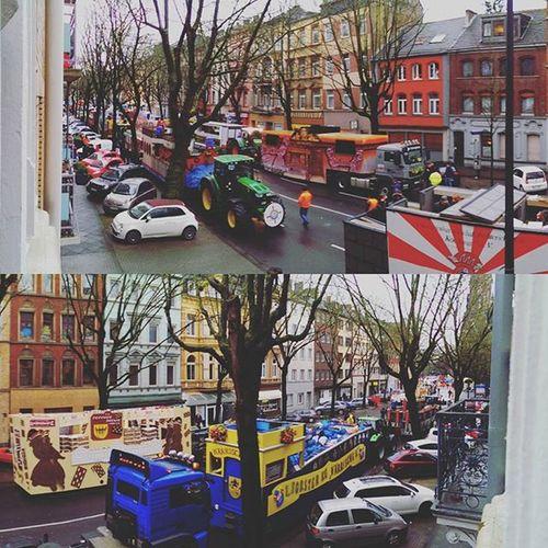 Today Aachen didn't skipped their Karnaval! Alaaf!! Direkt Foto aus dem Balkon, aus der Wohnung. . . Aachen Alaaf Rosenmontag Karnaval 2016 Rwth Student Panorama