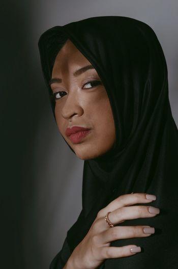 🇯🇴 One Person Jordan Traditional Clothing Headshot Beautiful Woman Portrait