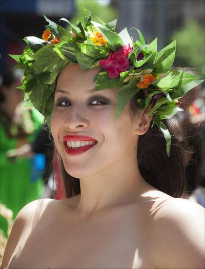 New York Dance Parade Head Dress Laurel  New York Dance Parade Portrait Wreath