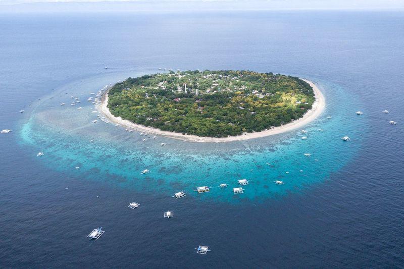진정 환상적인 아름다운 섬 - 발리카삭 . . #하루한컷 #발리카삭 #필리핀 #보홀 #드론뷰 #dji #매빅2줌 #mavic2zoom #drone Water Beach Sea Planet Earth Aerial View High Angle View Sky Close-up Horizon Over Water