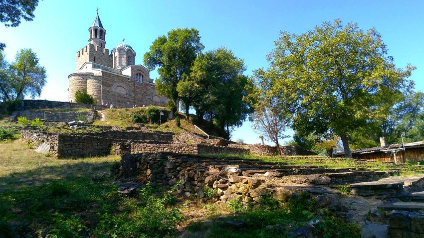 So much history in one shot.. history Travel Destinations Architecture Outdoors Miles Away Bulgaria Castle Tsarevets VelikoTarnovo Miles Away Lost In The Landscape