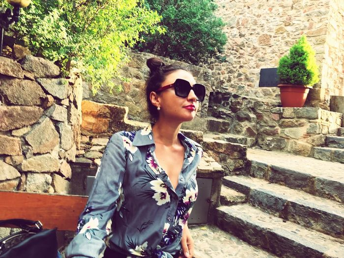 Sunglasses Young Adult One Person Real People Front View Young Women Beautiful Woman Lifestyles Architecture Outdoors Day Leisure Activity Built Structure Standing Beauty Fashion Model Building Exterior One Woman Only Adult Adults Only