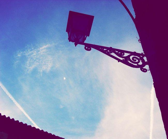 Il saggio indica il cielo, lo stolto guarda il dito Chemtrails Italy