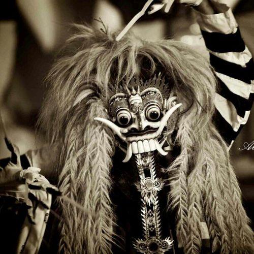 Bali culture Paintersnite Barong INDONESIA Baliisland localcontent