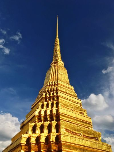 Jade Pakoda Religion Spirituality Place Of Worship Architecture Building Exterior Gold Colored Built Structure Travel Destinations Gold Outdoors Sky History Low Angle View Cultures No People Day Blue Sky Watprakaew No People,