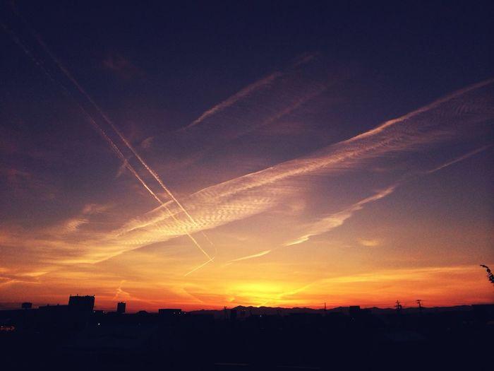 いつかの空。交わる飛行機雲 Clouds And Sky Sunset