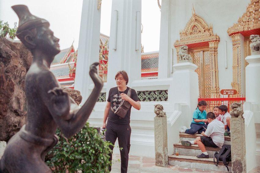 Touch Streetstyle Streetphotography Everybodystreet Filmisnotdead Ishootfilm Buyfilmnotmegapixels 35mm Film Yoga Thai Massage The Street Photographer - 2018 EyeEm Awards