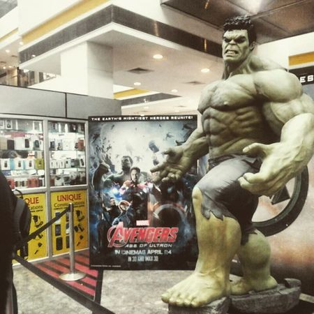 Hulk is smashing the wave mall.. 👻 Superherohulk MOVIE Avengersageofultron Actionfigure Giant Hulk Smash  Marvel AvengersAssemble Mall Pvr Cinemas