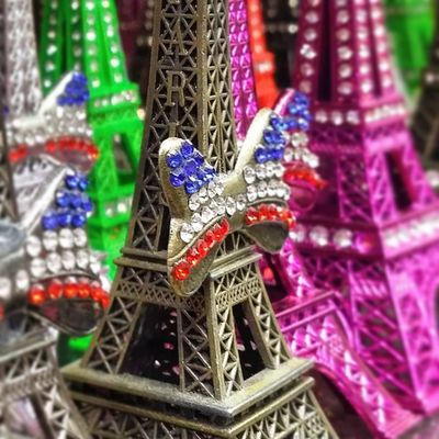 Paris is everywhere! Unbelievable how many eifel towers you see on your vacation in the city of Love 😉 Nakieken Travel France Eifeltower