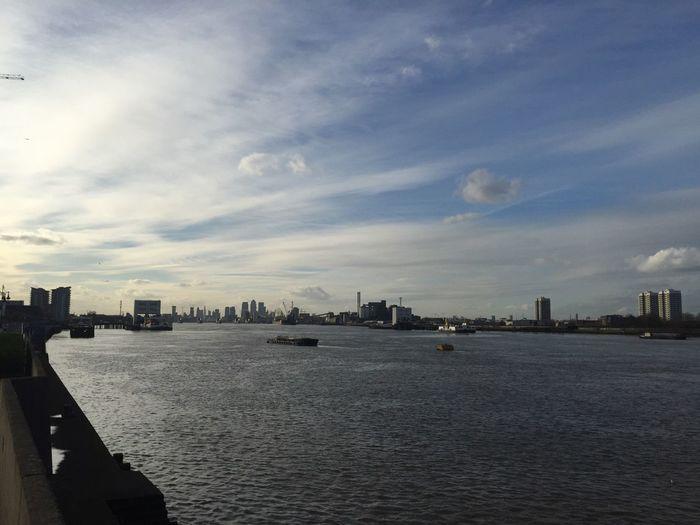 London Magical Skies Skyline Clouds Blue Sky Cloud Patterns Cloud Trails Thames River Thames River Canary Wharf Pmg_lon