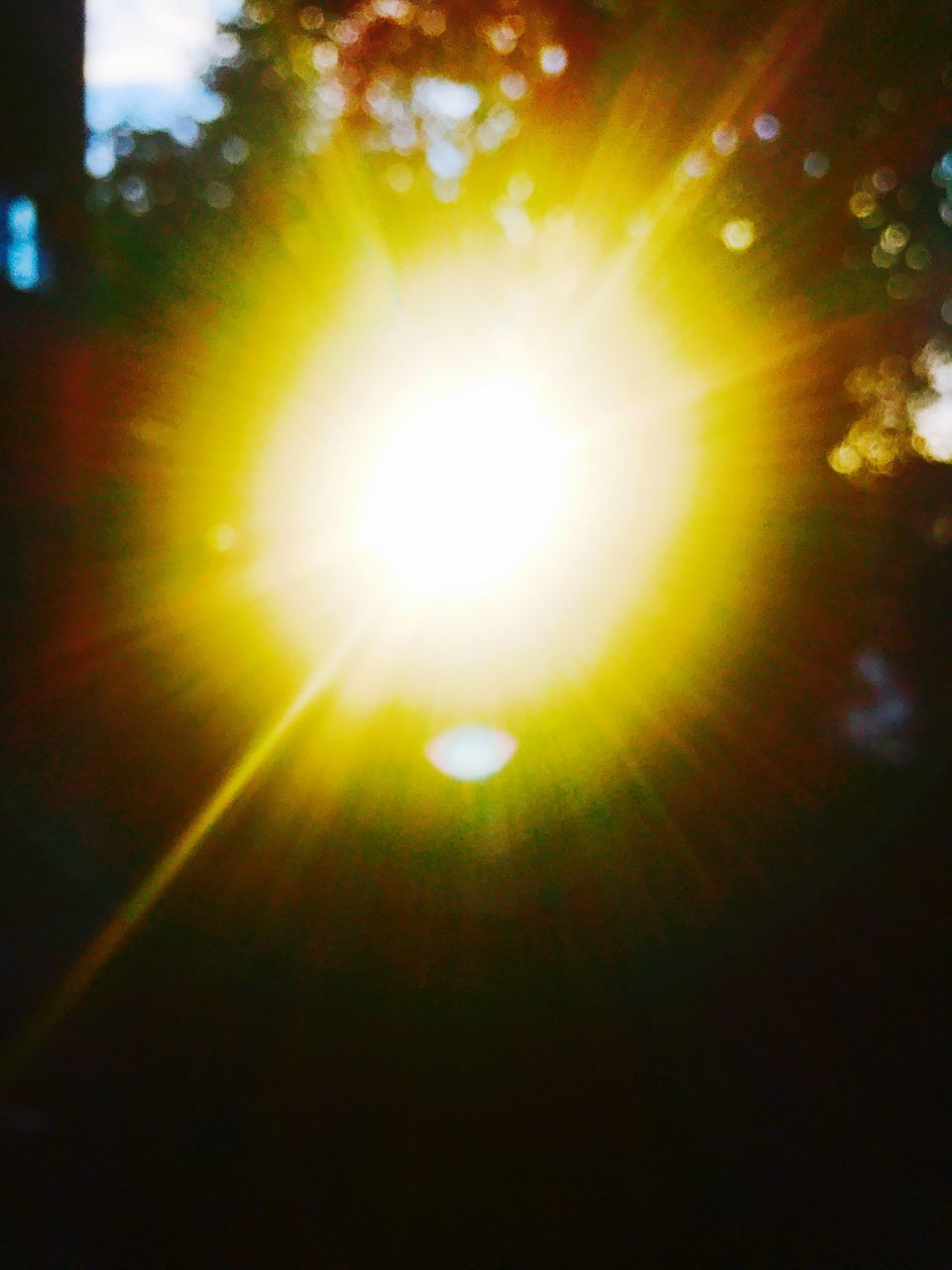 sun, lens flare, sunbeam, nature, no people, sunlight, beauty in nature, outdoors, illuminated, sky, day, close-up