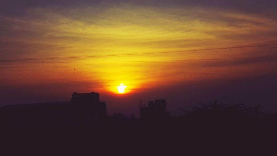 Burning Sun Sun Of East Sunrise Red Sky Morning Bliss