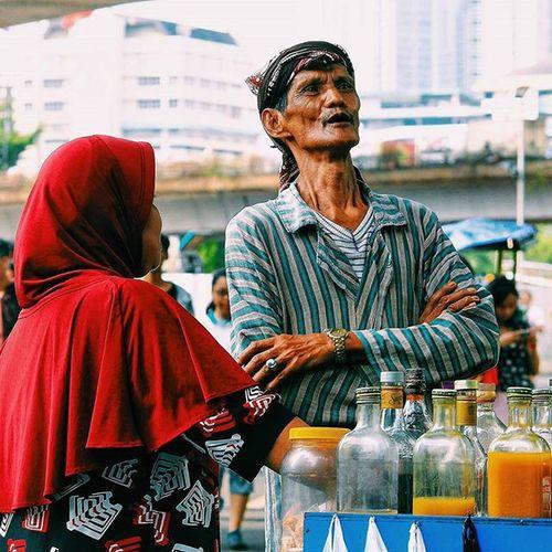 ●●●●●●● Inspirational couple, berjuang bersama sampai tua. Saling mengisi hari-hari yang tak tentu pasti, menguatkan kaki2 yang mulai tertatih (Upbar Selasa 28 July 2015 Upload bareng @cameraindonesia Tema : POTRAIT Lokasi : La Meridien Sudirman, Jakarta UpbarCI_Jakarta16 CI_Member Cameraindonesia CI_Jakarta and we're @diruanghampa @nvtamlia @arta_fazar @mdandriansyah @leonardusevand @vebiantofaladi @didotisme @erprasetyo @ig_cicill @rijalul_ @ratna_qyut @sekedarphoto @adhipratama_ @amrinals @esthernatasyaa @carolinsylvia @sam_otitt @dhani_dhiya @firmanarus @pitunggg @maryati_samsi @aidamutiaa __________ Gear : Canon 1100D Shutter speed : 1/160 F : 9,0 Focal length : 100mm Edited tools : Snapseed, Picsay Pro & Vsco C1