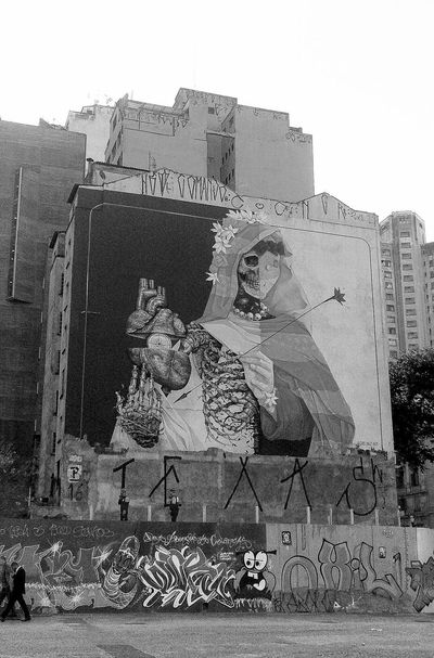 Graffiti Sao Paulo - Brazil Alexi Diaz Inti Art Streetphotography Blackandwhite Hello World Pixar  Texa Streetart Foto Art Urban Arte Urbano  Só Grafita RESPEITO Underground