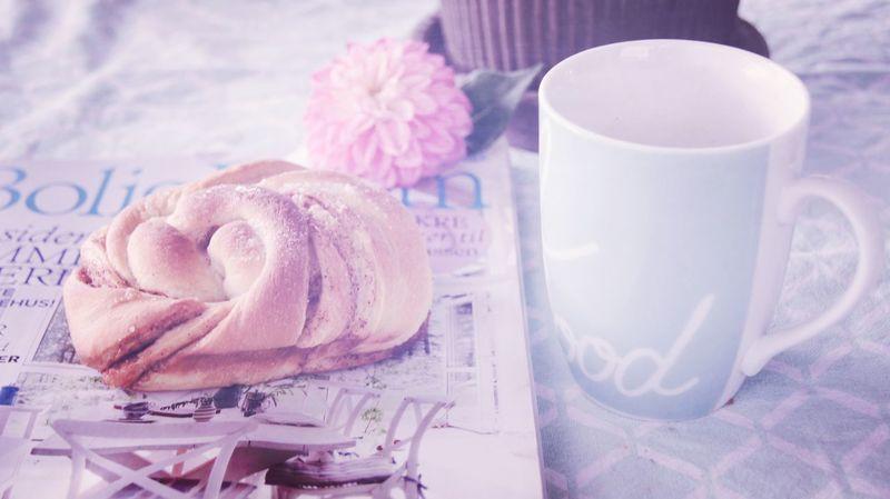Life ain't better then we make it ❤☕🍰 Sweet Food Cinnamonrolls Enjoy Food And Drink Coffee Cooffetime Food Freshness Homemade Drink No People Flower EyeEm Gallery Eye4photography  Sommergefühle See What I See