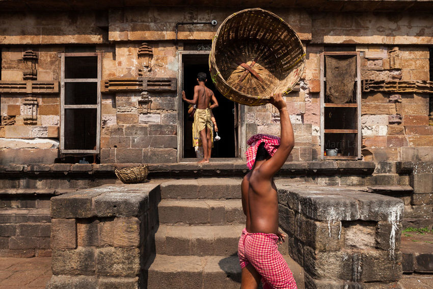 Architecture Bhubaneswar Brahmins Building Exterior Built Structure Culture Documentary Photography Hindu Hinduism Holding India Marji Lang Photography Old Temple Orissa Person Priests Standing Straw Basket Temple Travel Travel Photography