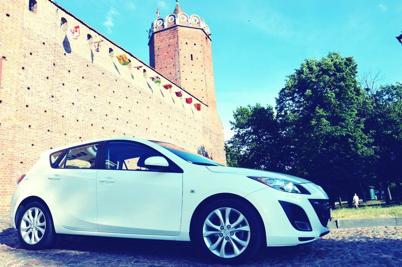 Mazda MaZda3 Beautiful Car White Color Zamek  Łęczyca My City
