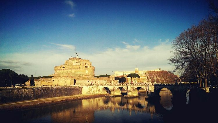View on The Tiber River and Castel Sant'Angelo Tevere Architecture Water Reflections Riverside Roma Rome Historical Building