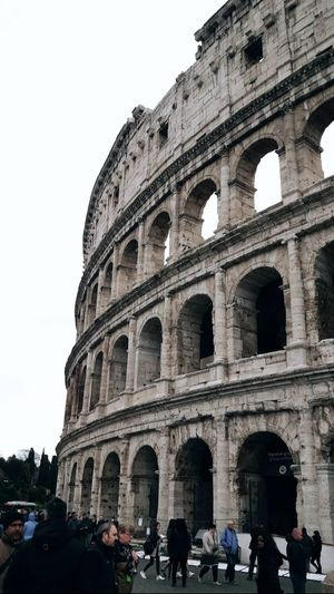 Travel Destinations Tourism Travel Real People History Architecture Large Group Of People Built Structure Lifestyles Tourist City Cultures Ancient Building Exterior Outdoors Old Ruin People Men Sky Women Garri❌ Rome Roma, Italy