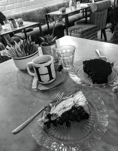 sweet moment Table Cafe Close-up Food And Drink Dessert Slice Of Cake Cake Fruitcake Pie Black Coffee Cheesecake Chocolate Cake