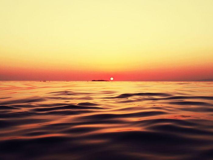 Avsaadasi Sunset Gunbatimi Summerholidays EyeEmBestPics EyeEm Best Shots Eye4photography  Sea Huzurvesonsuzluk EyeEm Nature Lover EyeEmNewHere