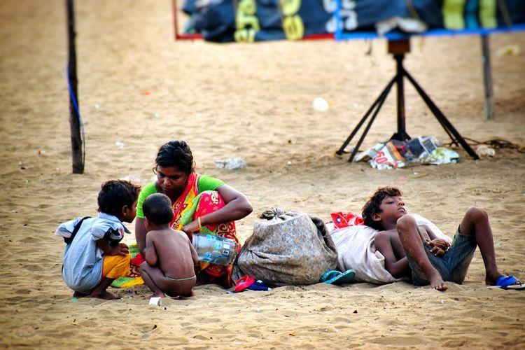Indianstories Indianpeople Poorpeople Bessy Beach Bessyscenes Poor Baby Poor People  Poorness Nohome