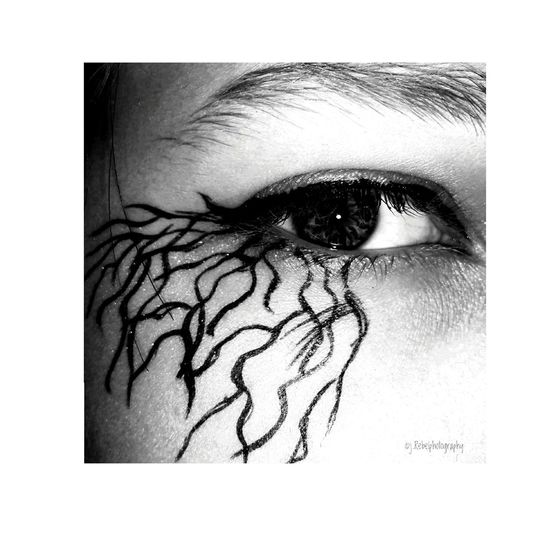 EyeEm Igersbnw Bwoftheday Monochrome Bwbeauty Bnw_creatives Total_bnw Do You See What I See? Young Adult Young Women One Young Woman Only Portrait Eyesight Beauty Close-up Studio Shot People Eyelash EyeEmNewHere