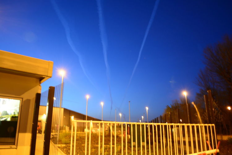 Nikon D5200 All My Own Work Outdoors Allmyphotography Nikonphotography Manchester Transportation Nikon Eyemphotography No People Chemtrail Planes