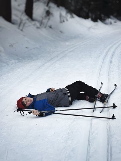 Follow the Loipen. Snow ❄ Langlauf Loipe Cold Temperature Snow Winter One Person Leisure Activity Full Length Real People Winter Sport Nature Fun Warm Clothing Day Lifestyles Mountain Men Lying Down Extreme Sports Sport