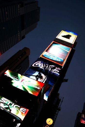 Eignet sich für viele Projekte. Times Square NYC Werbetafel Nightphotography Night Lights Sky Wallpaper Werbung Zeitschrift Webseite Blog Blogger Zeitschriften EyeEm Best Shots Backgrounds Hintergrundbilder Hintergrund EyeEm Gallery Artikel NYC NYC Street NYC Nights Webpresentation Hintergrundgestaltung Magazine Film Industry City MOVIE Communication Illuminated