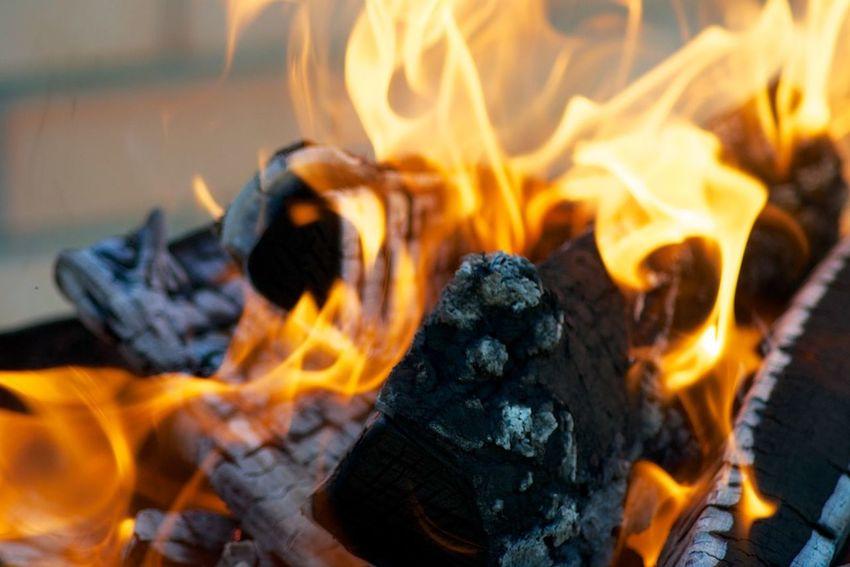 огонь пламя уголь языки пламяни Hot Fire Fire - Natural Phenomenon Heat - Temperature Wood Firewood Nature Campfire Wood - Material