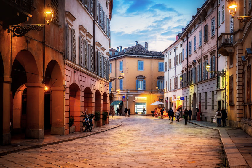 Tramonto d'inverno in Strada Farini (Parma, February 2018) Architecture Cityscape Nightphotography Parma Sunset_collection Winter Architecture Building Exterior Built Structure City Citylife Cloud - Sky Evening Illuminated Night Sky Street Streetphotography Sunset Urban